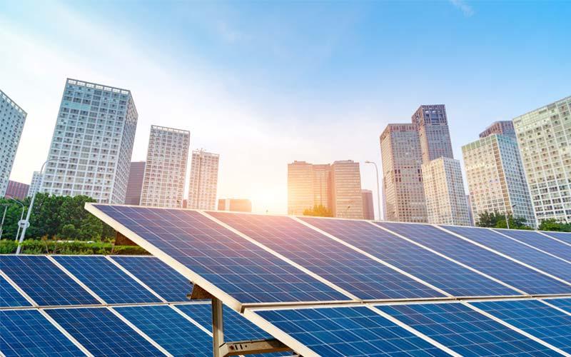 installation-panneau-solaire-terrain-exposer