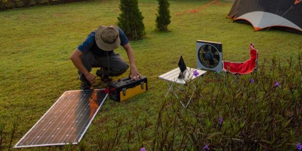Comment bien installer un panneau solaire souple