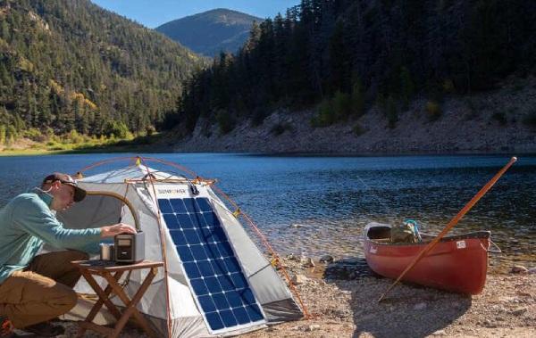 Emportez votre panneau solaire souple partout