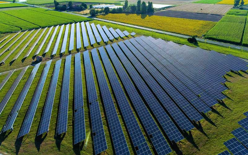 installation-panneau-solaire-terrain-agricole