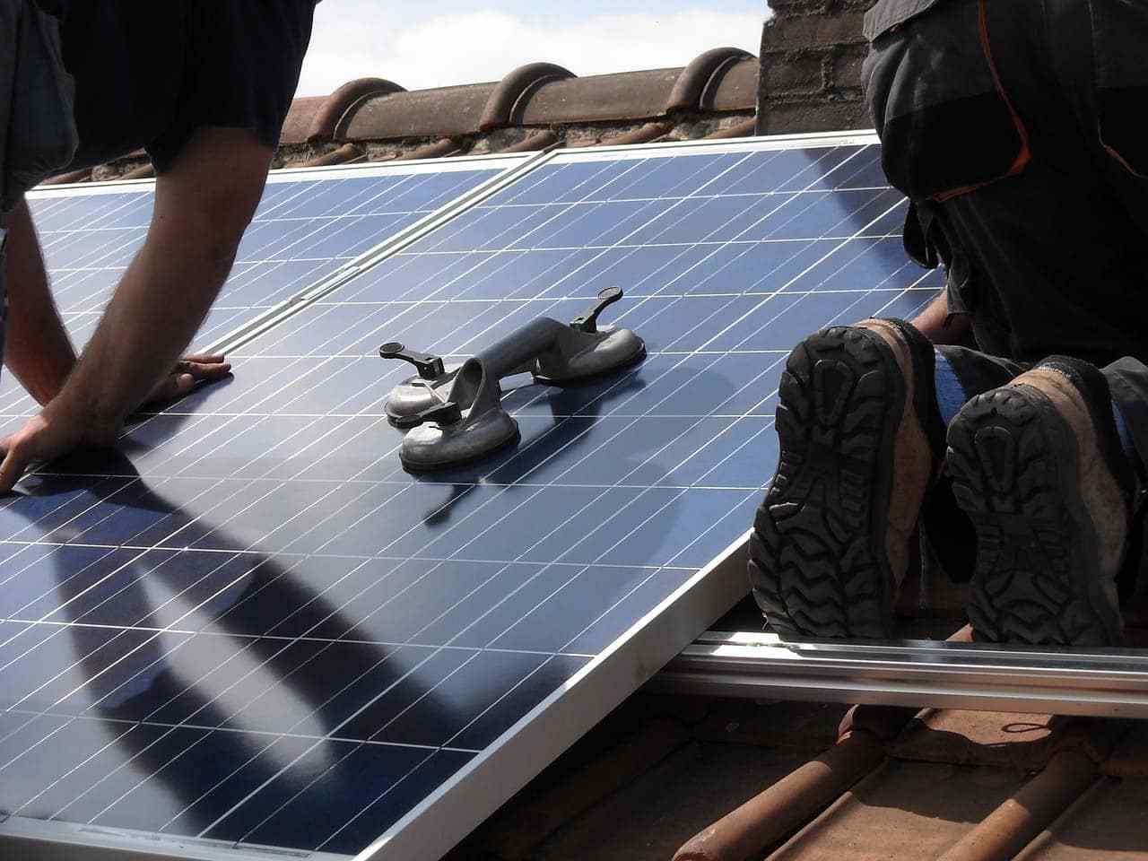 panneaux-solaires-thermiques-installation