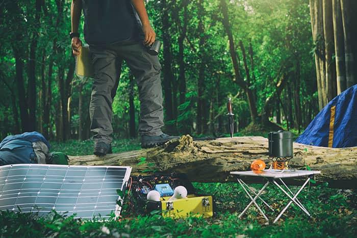 camping-car-panneaux-solaires-souples