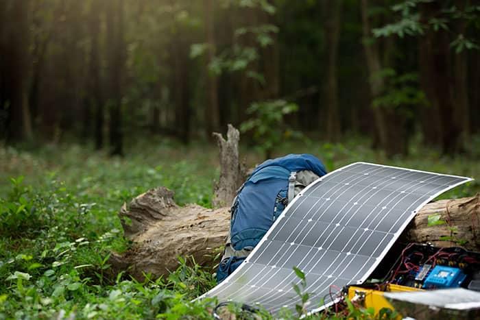 camping-car-panneaux-solaires-souple