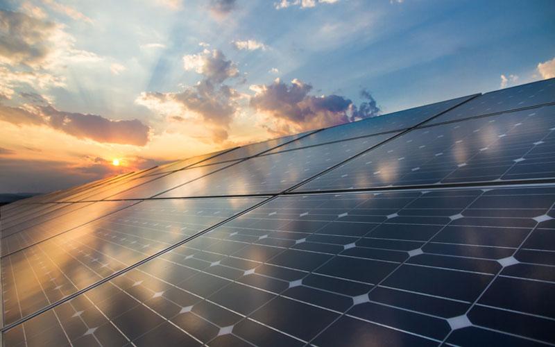 installation-panneau-solaire-terrain-réglementations
